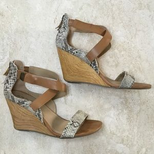 5e4426fb104 Kenneth Cole Reaction Shoes - Kenneth Cole Reaction  Oh Ava  Wedge Sandal -  Sz